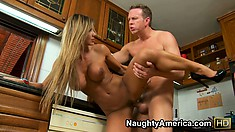 Esperanza Gomez rides on her fuckbuddy and takes him to the base