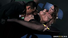 Amazing cybertronic bitch lets her client taste wonderful pussy