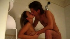 These two teens manage to get dirty while fucking in the bathroom