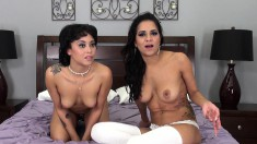 Abby and Mia Austin are live eating and toying their slippery cunts