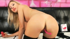 Sexy Blonde Massage Her Beautiful Pussy And Teasing Her