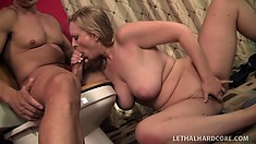 Lustful blonde cougar with big boobs and a fabulous booty loves to suck big cock