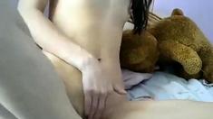amateur naominash fingering herself on live webcam