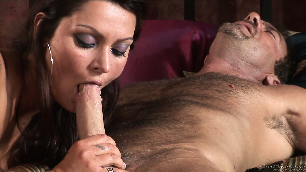 Big Titty Brunette Milf