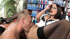 Babe Angelica Heart gets action on a desk and jerks off his pecker